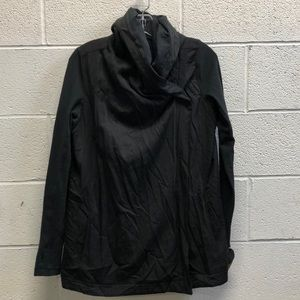 Lululemon black jacket with hood, sz 8, 63340